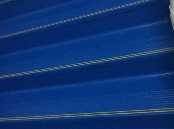 深蓝色楼梯踏步效果展示