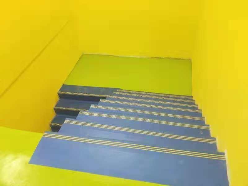 黄色楼梯踏步效果展示